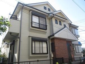 一見、リフォームの必要性がなさそうな一軒家ですが、よく見ると劣化が激しい。